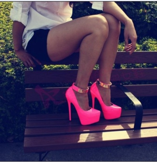 shorts black mini shorts white high heels neon shoes neon high heels pink shoes with gold pink high heels shoes