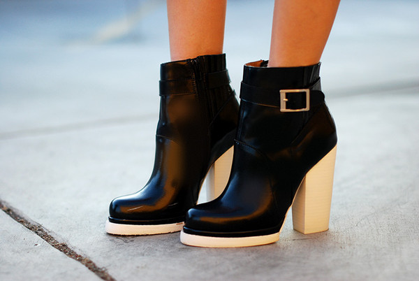 shoes black and white black white booties ankle boots jeffrey campbell
