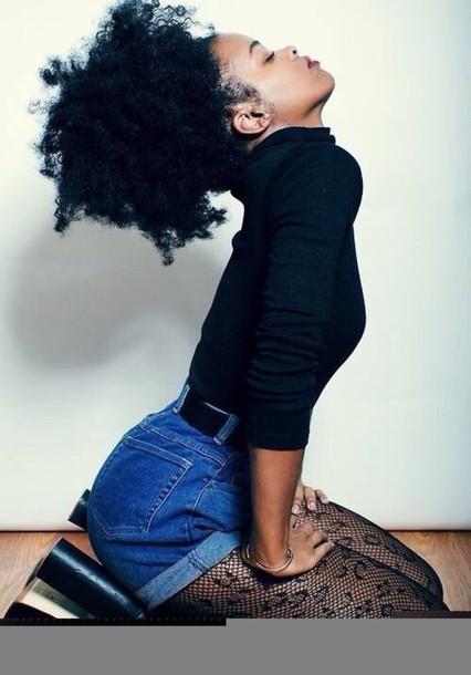shorts curly hair black top long sleeves tights black shirt denim black girls killin it natural hair chunky sole