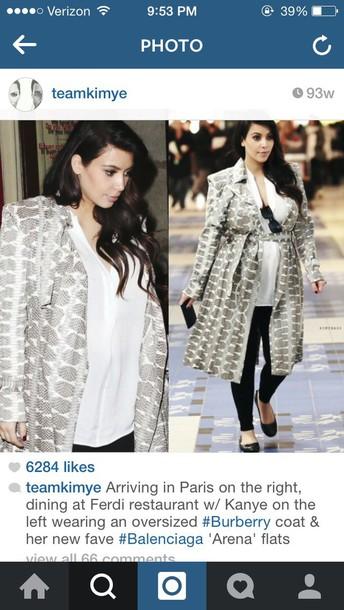 kim kardashian trench coat maternity