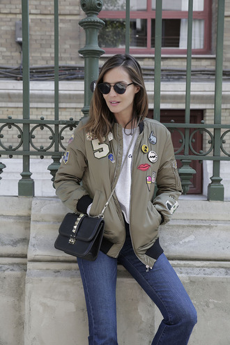 lady addict blogger jacket jeans sweater sunglasses shoes bag streetwear zara brandy melville zalando