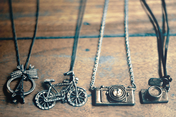 jewels alton necklace celebrity camera bike paris photography bike