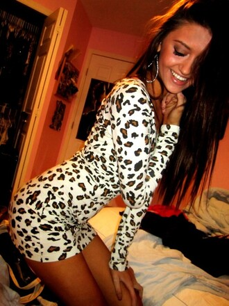 animal print animal print dress bodycon dress dress leopard print white tan black bodycon long sleeves short t-shirt