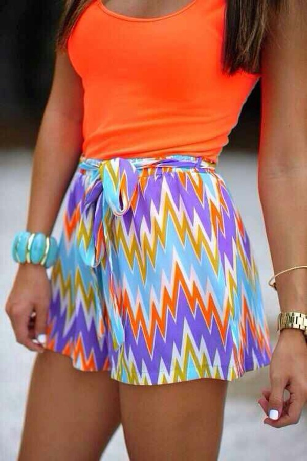 shorts summer spring outfits spring seenfromtaris shirt cute shorts bright orange chevron chevron skirt tribal pattern blue purple
