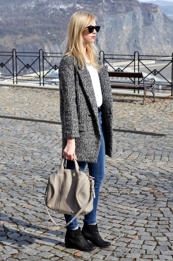 vogue haus t-shirt coat shoes bag sunglasses jewels belt