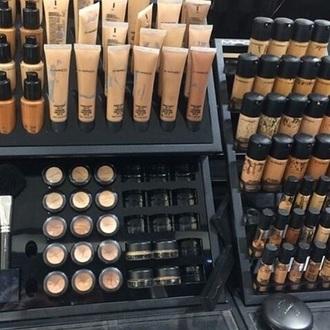 make-up fondation $50 or less makeup table natural makeup look face makeup mac cosmetics mac make up