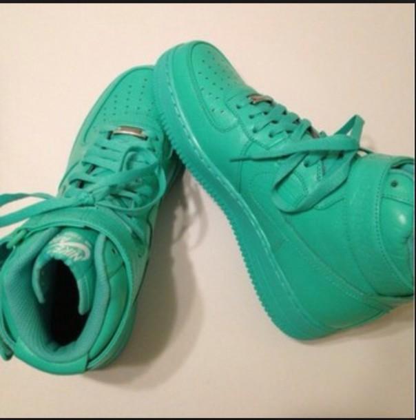 shoes green nike