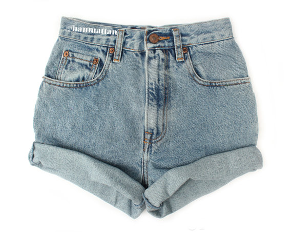 ALL SIZES TURN Vintage Levi highwaisted denim shorts by Hanmattan