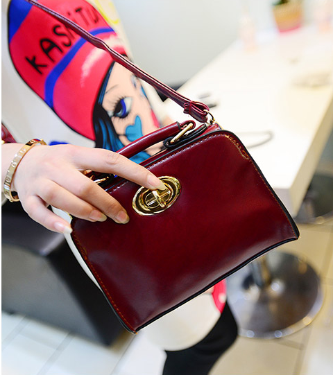 2014 mini lock bag vintage oil skin portable small bag cute small bags women's handbag-inTotes from Luggage & Bags on Aliexpress.com