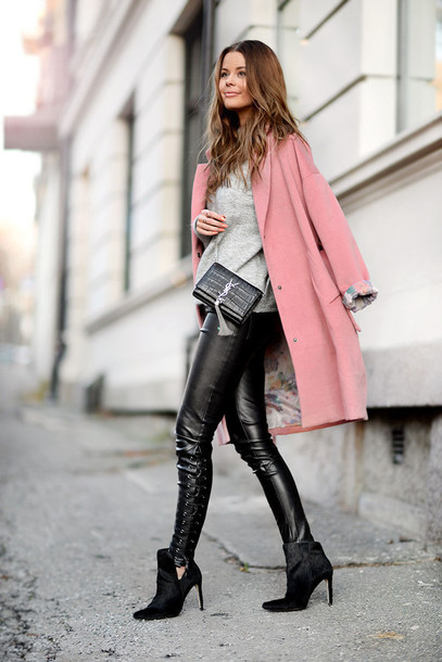 stylista blogger sweater pink coat leather pants