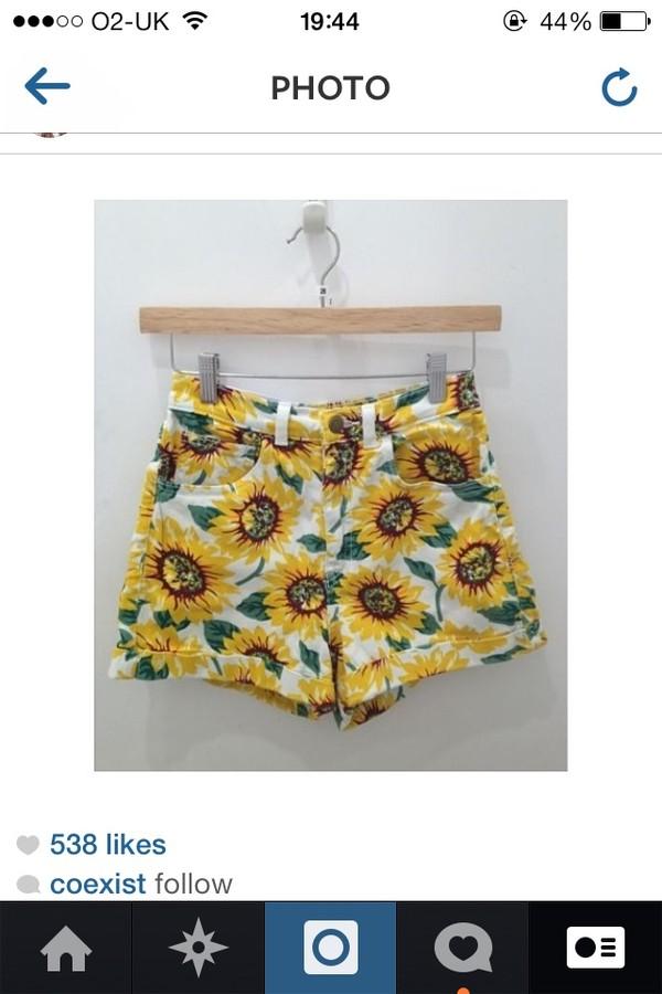 shorts sunflower tumblr hot pretty tumblr girl clothes white yellow