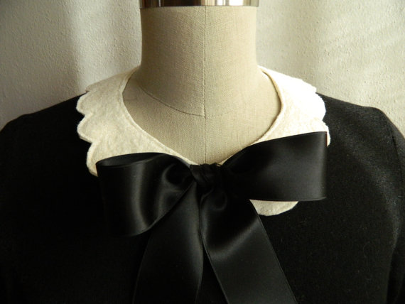 Bow Front Scallop Peter Pan Collar Necklace by violajanedesigns