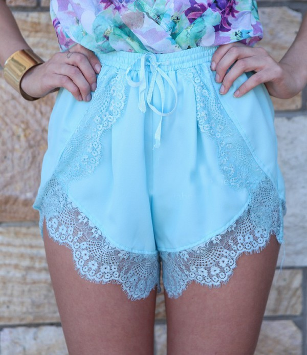 shorts lace light blue