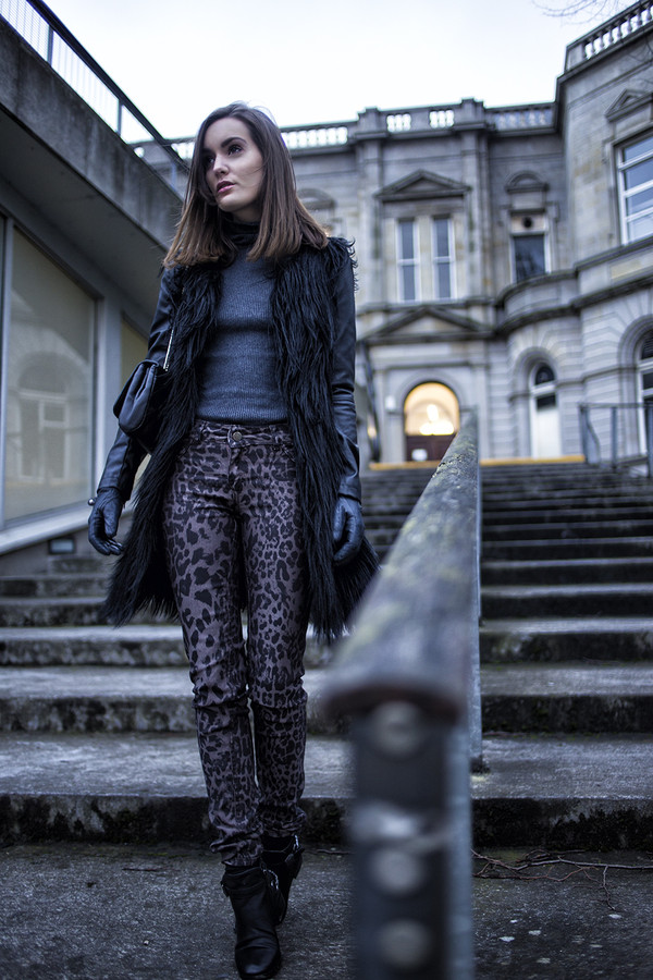 anouska proetta brandon jacket sweater jeans shoes