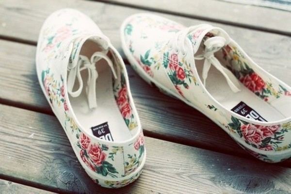 shoes sneakers floral flowers flowers pink canvas roses