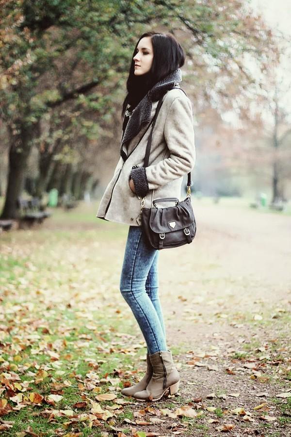 leona meliskova jacket jeans shoes bag