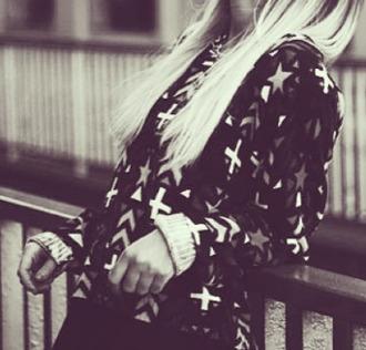 sweater noir  et blanc croix black white