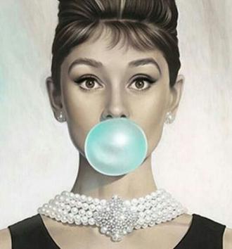 jewels audrey hepburn necklace breakfast at tiffany's