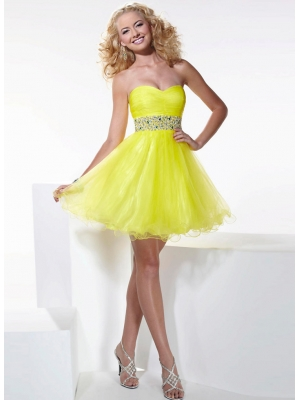 Buy Fashion Daffodil Sweetheart Beaded Mini Tulle Homcoming Dress under 200-SinoAnt.com