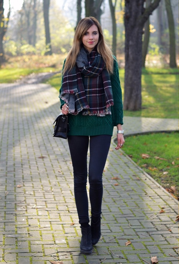 vogue haus sweater jeans shoes scarf bag jewels flannel scarf forest green