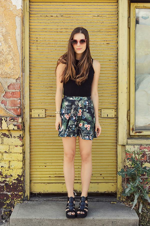iemmafashion skirt shoes top jewels sunglasses floral tropical