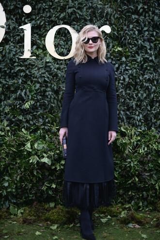 dress all black everything kirsten dunst fashion week 2017 fashion week