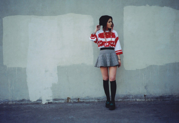 le happy sweater shoes skirt