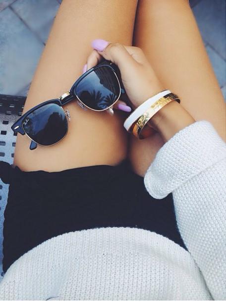 sunglasses sweater shorts bracelets nail polish jewels nail polish www.ebonylace.net