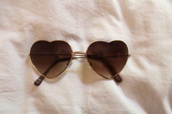 sunglasses heart brown sunnies love fashion style heart mode clothes pretty herat cute gold