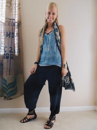 thedailysavant blogger tank top pants scarf jewels