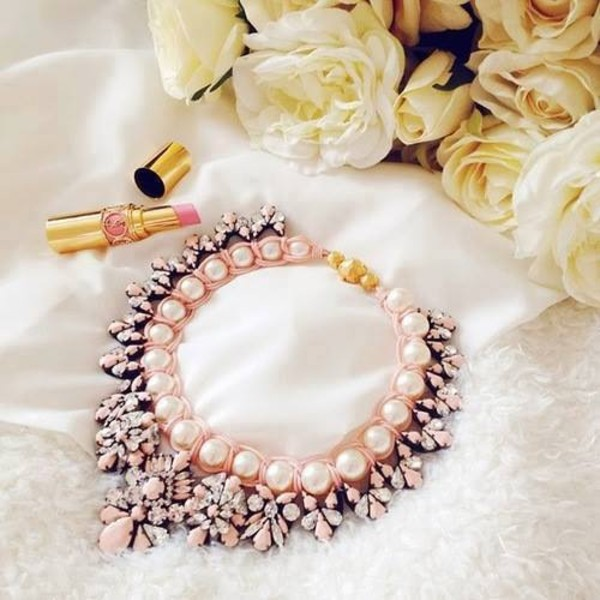 jewels jewelry necklace nail polish pink necklace gold white pearl pearl bib necklaces choker necklace choker necklace crystal