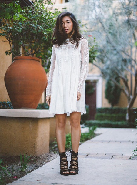 honey n silk blogger white dress strappy sandals dress shoes jewels