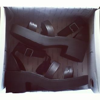 shoes pale grunge soft grunge black fashion stylish cute platform shoes flatforms pale shoes shop platform sneakers black flatforms tumblr