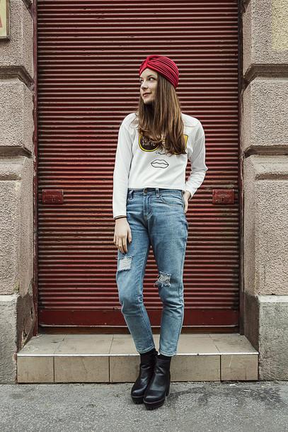 iemmafashion blogger turban white sweater mom jeans sweater jeans shoes jewels
