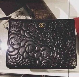 bag chanel clutch embossed floral black leather details
