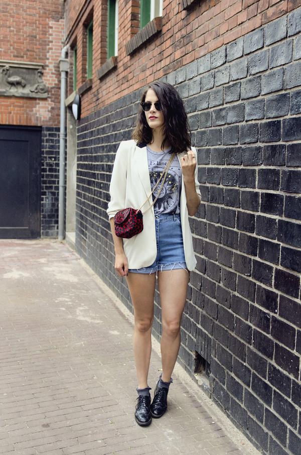 fashion fillers tank top bag shorts sunglasses