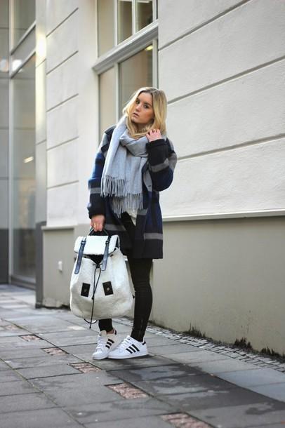 fashion twinstinct blogger coat scarf backpack