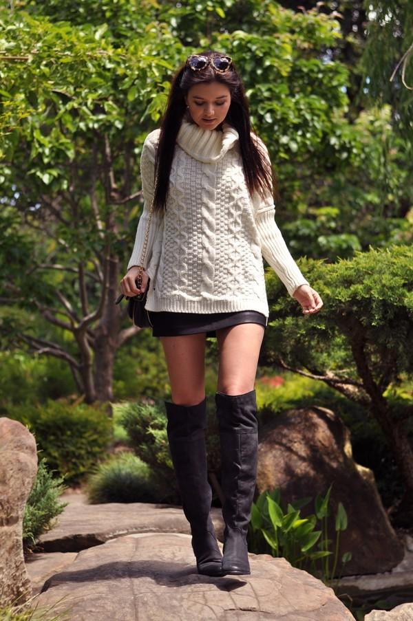 le flassh sweater shoes sunglasses