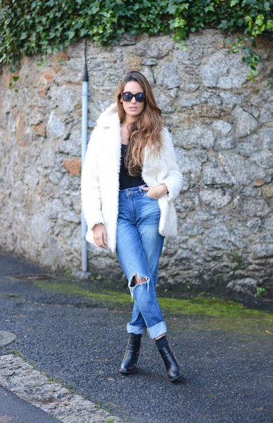 stella wants to die blogger jeans shoes t-shirt coat sunglasses