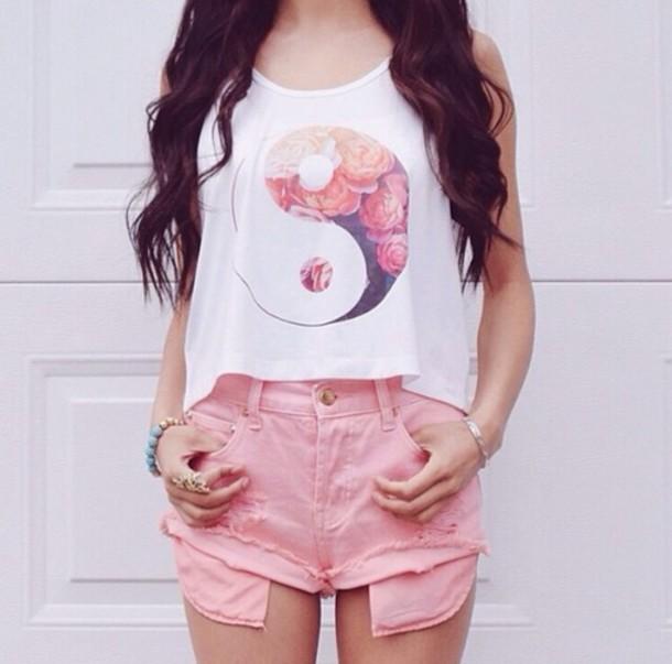 yin yang t-shirt pink floral shirt tank top white t-shirt blouse white flowy wih ting yang white blouse it girl shop hipster summer girly girl cute hippie chic top pastel shorts