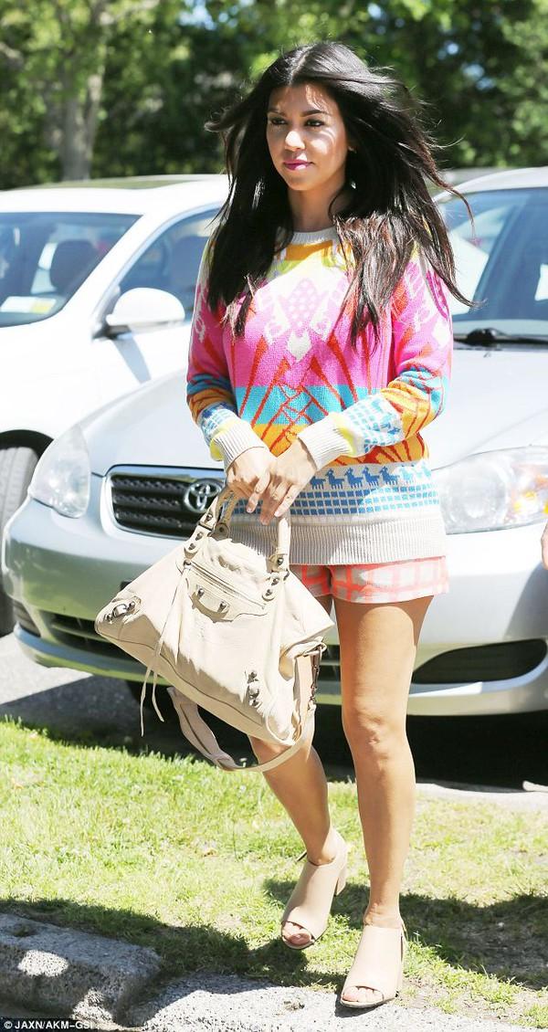 sweater kourtney kardashian shorts shoes bag