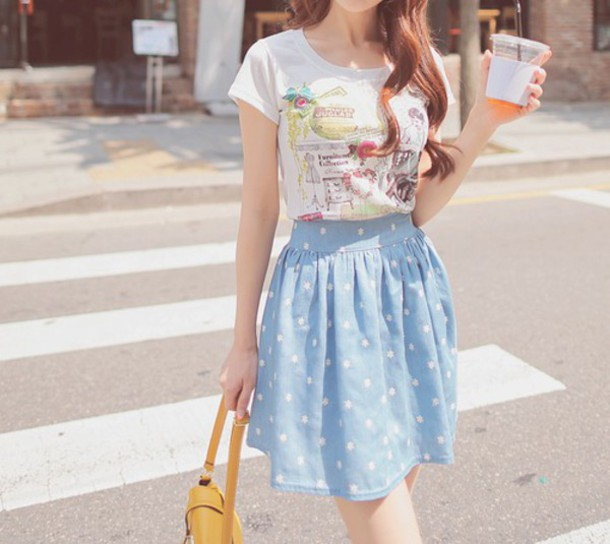 skirt short skirt blue skirt light blue polka dots high waisted skirt t-shirt short sleeve white t-shirt spring skirt