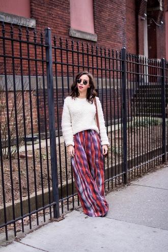 oh va darling blogger sweater pants bag sunglasses make-up wide-leg pants winter outfits
