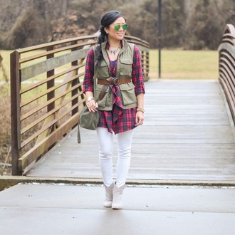 morepiecesofme blogger sunglasses jewels bag cardigan shoes army green jacket vest plaid shirt green bag ankle boots white jeans