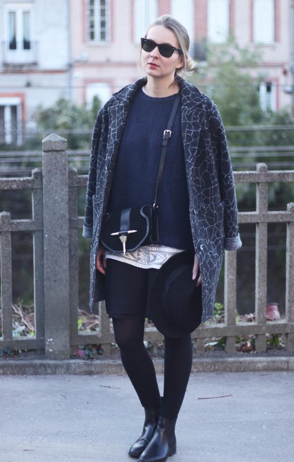 jane's sneak peak coat sweater dress bag t-shirt shoes hat
