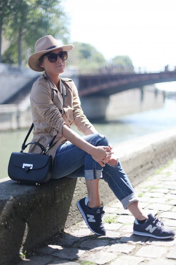 frassy coat hat jeans sunglasses bag shoes