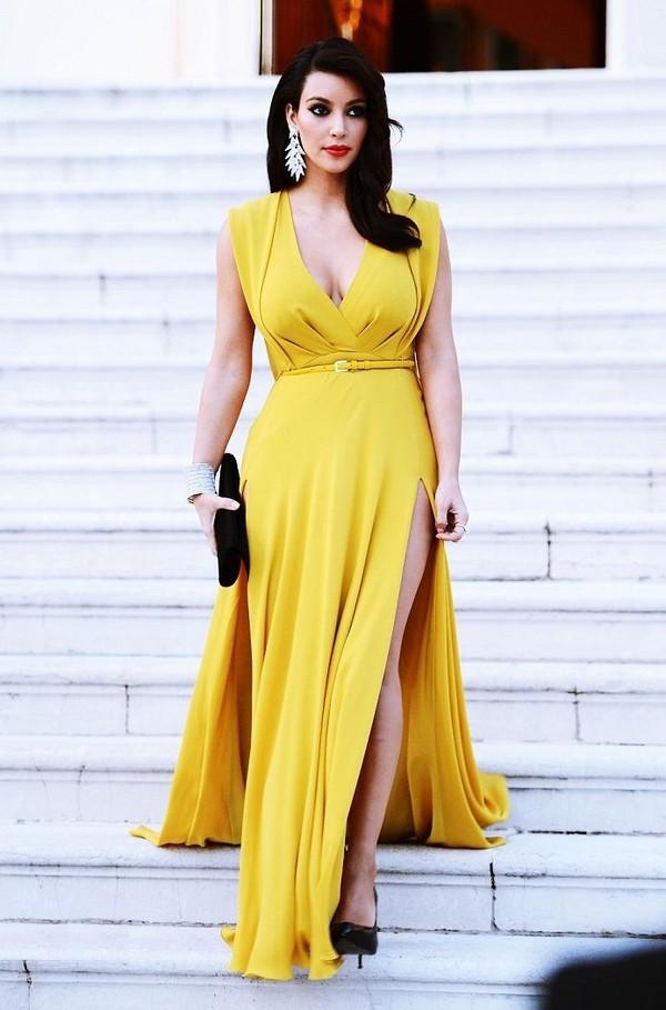 dress kim kardashian kardashians keeping up with the kardashians yellow bag shoes high heels jewelry jewels earrings mustard dress