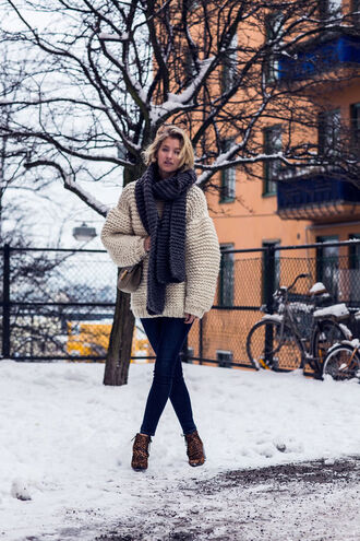 oversized sweater knitted sweater knitwear knitted scarf jeans sweater scarf shoes bag chunky knit striped scarf blogger zanita