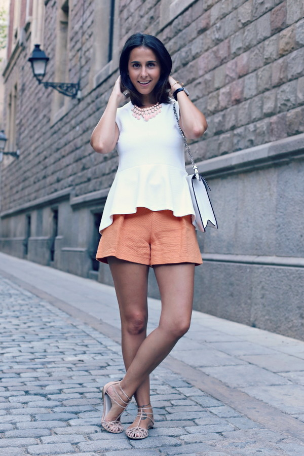 style in lima shorts bag shoes jewels