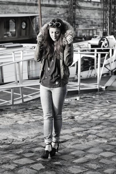 elodie in paris blogger jeans heart sunglasses parka coat t-shirt shoes sunglasses